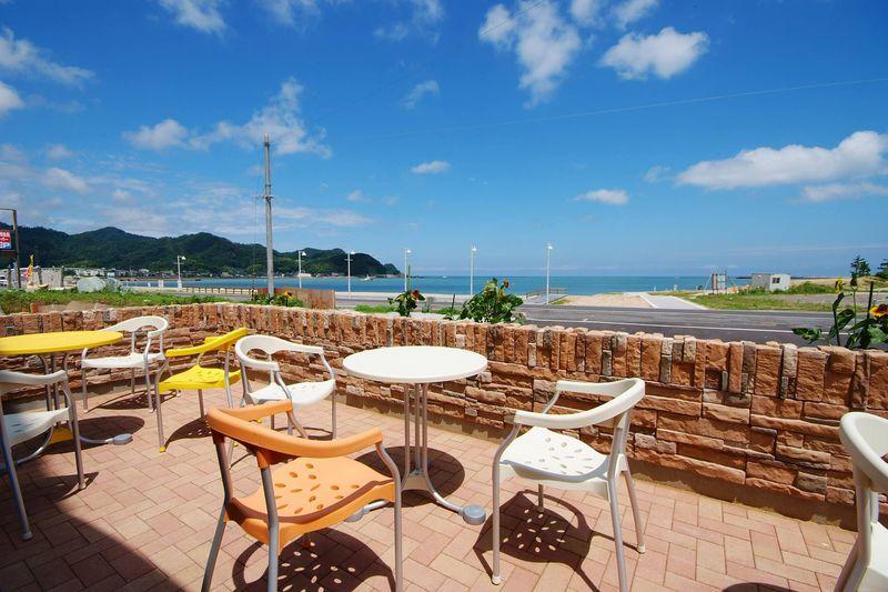 海を一望できるカフェ宿!兵庫・香住「夕香楼しょう和」
