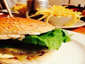 バーガー旋風がイギリスを席巻中!人気のハンバーガーショップ4選