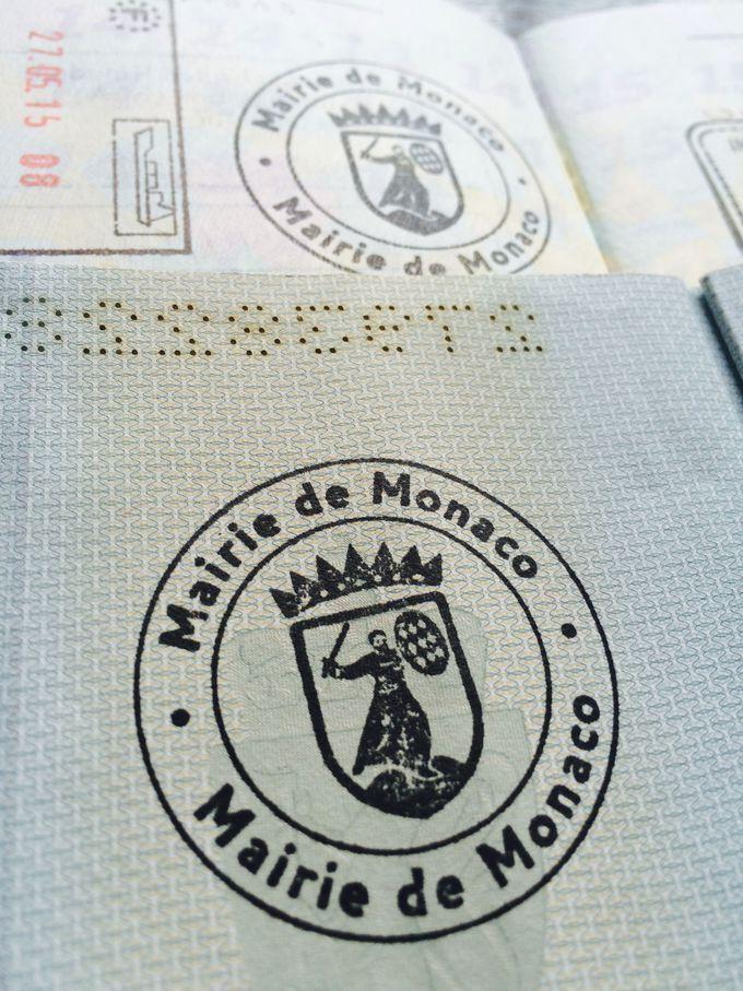 モナコに来た証、入国スタンプを貰おう!