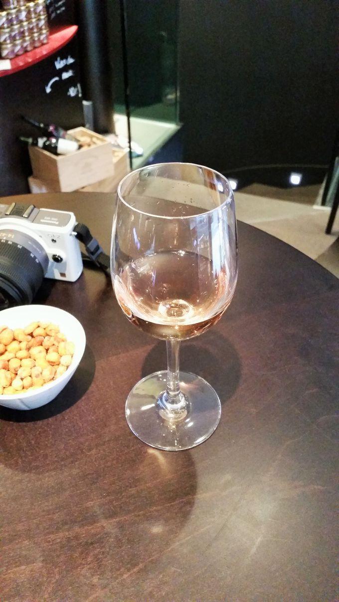 ワインは1ユーロから、100種類以上も