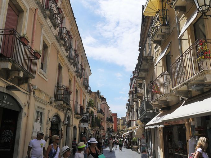 タオルミーナのメインストリート