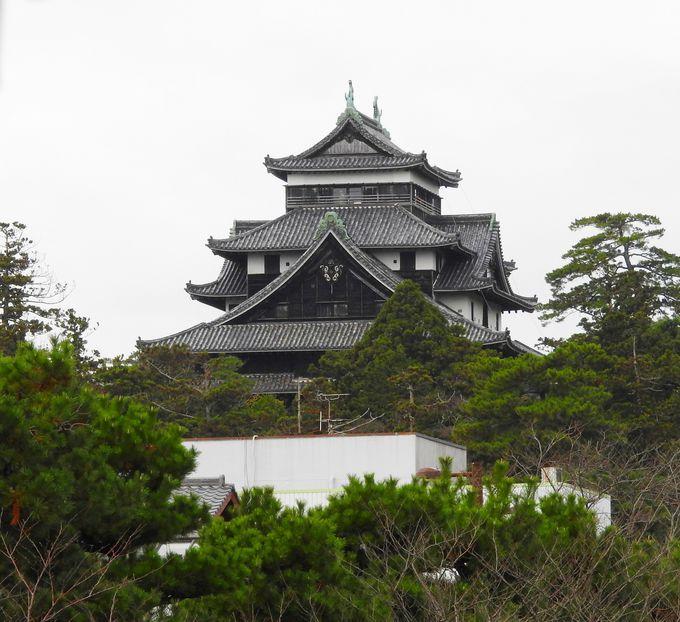 19回橋をくぐり、松江城撮影ポイントも通過します