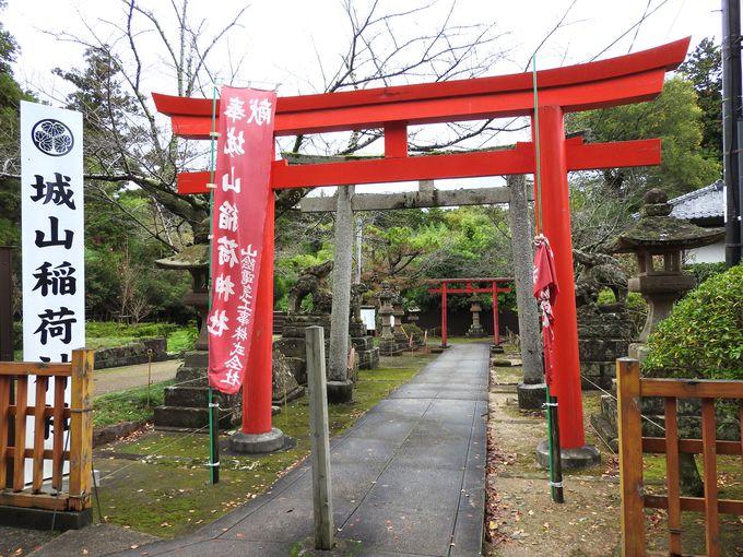 城山稲荷神社は松江城の一番裏手にあります