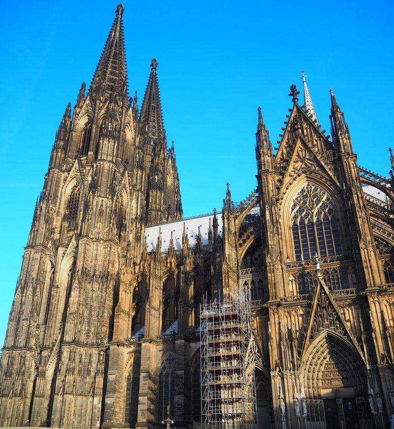 タワーと宝物館と併せて3度感動!世界遺産「ケルン大聖堂」