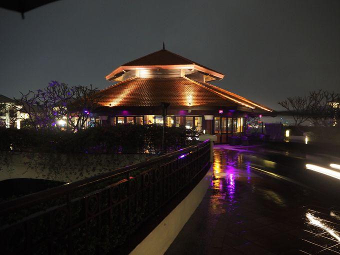 ホテルの夜景