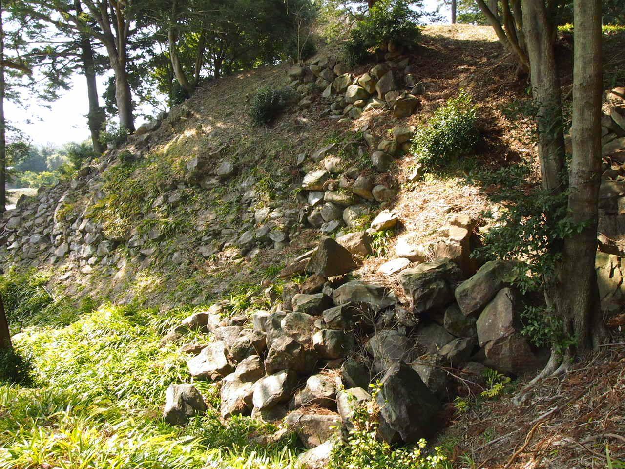 2.歩いて巡る、勝者の城跡