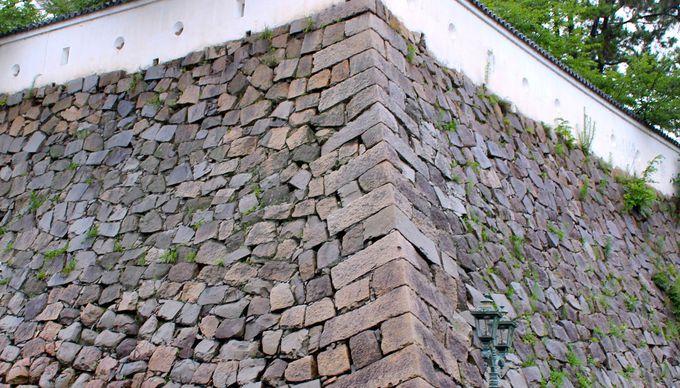 見どころ2. 石垣に残る築城の歴史