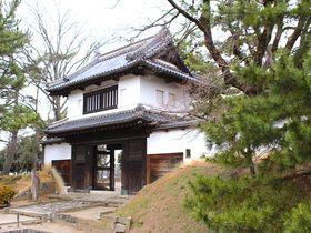 茨城の名所「土浦城」は続日本100名城にも選ばれた現存櫓門のあるお城|茨城県|トラベルjp<たびねす>