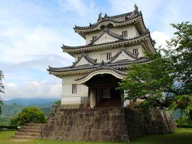 愛媛にある「宇和島城」はひと味違う!築350年の天守って?|愛媛県|トラベルjp<たびねす>