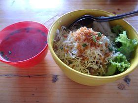 麺好き必訪!バリ「ブカバジュ」で話題のチーズ入りミークワを堪能