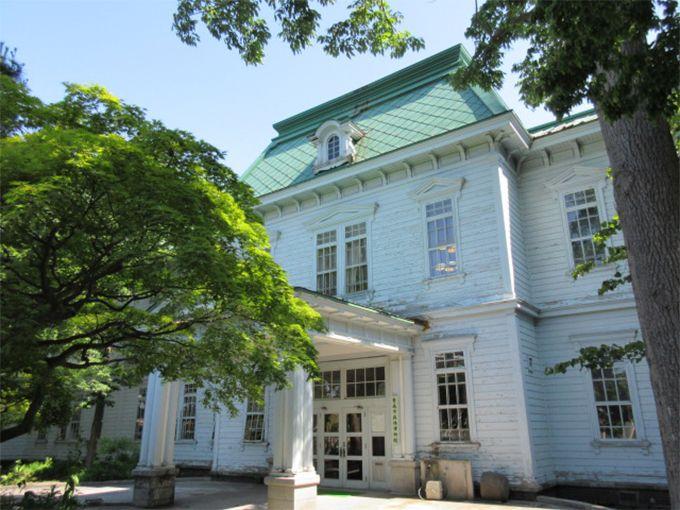 その1、青森ヒバで作られた明治生まれの洋館・映画ロケにも使われた