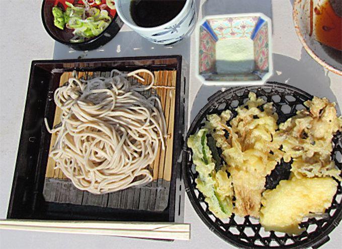 揚げたて天ぷら&そばがどんどん追加される!食べ放題を楽しもう
