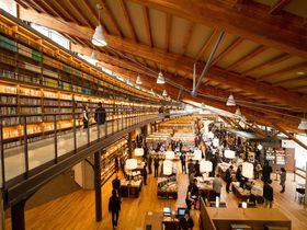 100万人が訪れた!佐賀・武雄市図書館で観光カフェタイム
