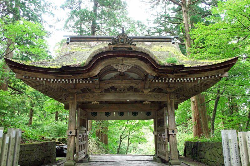 大神山神社の不思議な神門もパワースポット!