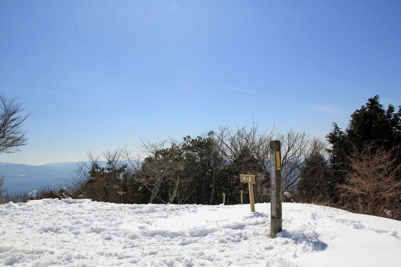 装備と経験があれば、絶景の山頂へも行きましょう
