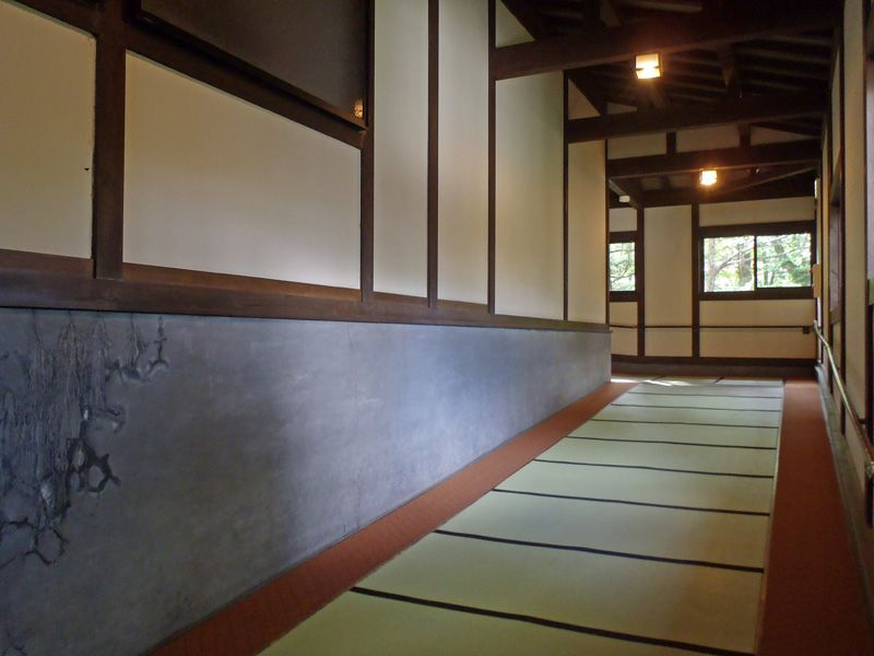 合掌造りと自然の調和が美しい日本の山村を演出!