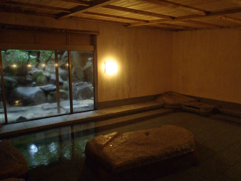 落ち着いたワンランク上の温泉「大和屋本店」