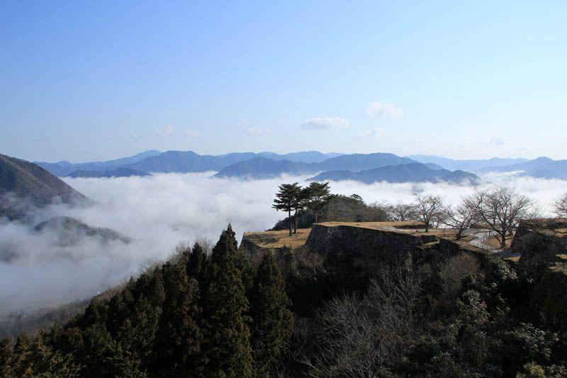 絶景独り占め!雲海の「竹田城」早朝登山のススメ