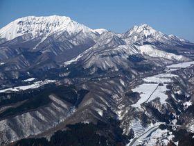 真っ白な大山や蒜山を一望!スノーシューで登る三平山