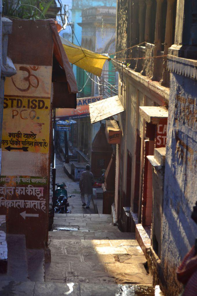 路地裏散策が楽しいバラナシの旧市街