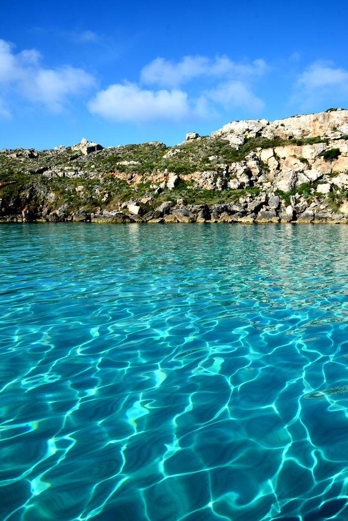 抜群の透明度を誇る入り江CalaRossa(カーラロッサ)