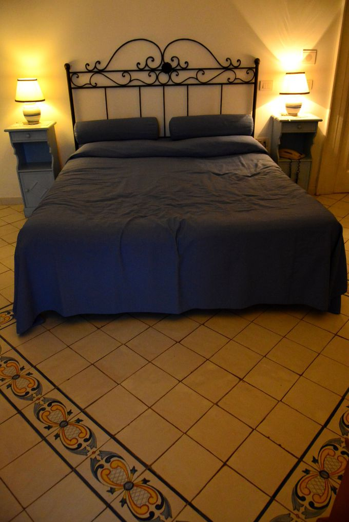 海と同じブルーが基調の愛らしいお部屋での眠りは格別♪
