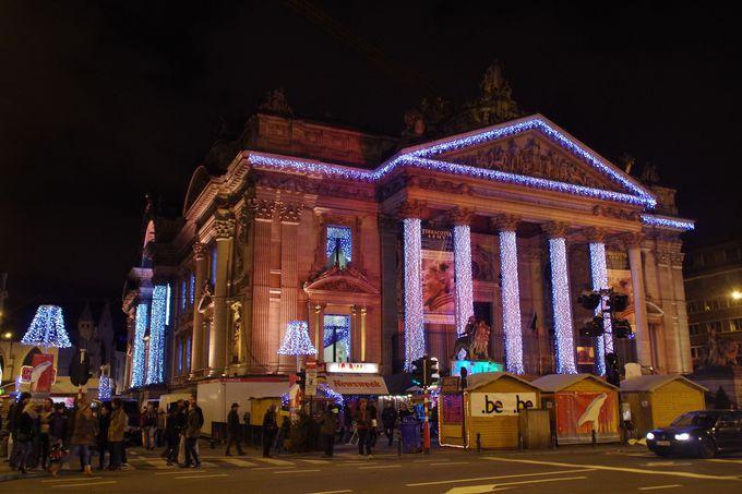 冬の風物詩「イルミネーション」が街を彩り光輝くブリュッセル