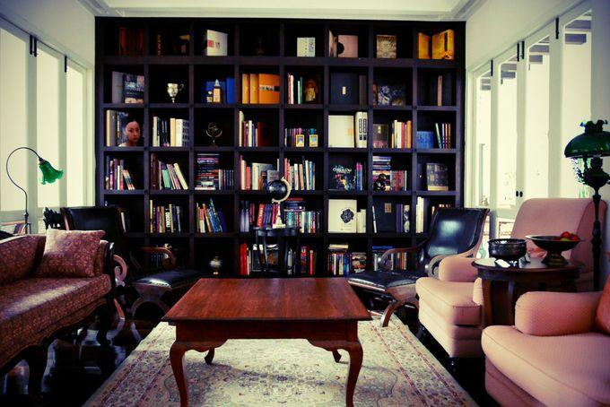 ゆったりソファに座って読書もお薦め♪