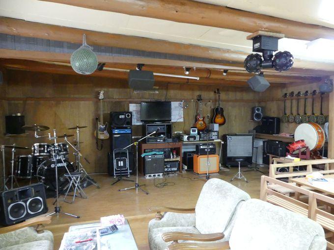 三線教室で沖縄伝統の楽器「三線」を習おう