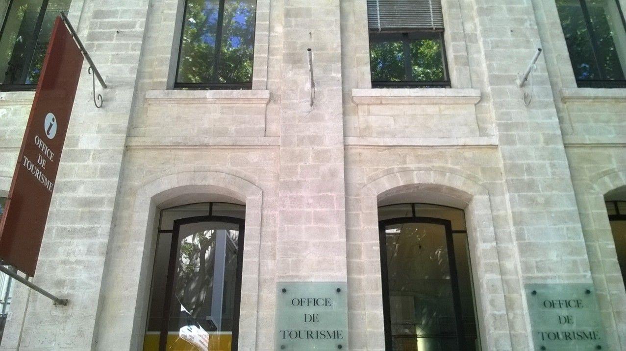 歴史好きにはたまらない。建造物と美術の街フランス・アヴィニョンの魅力!