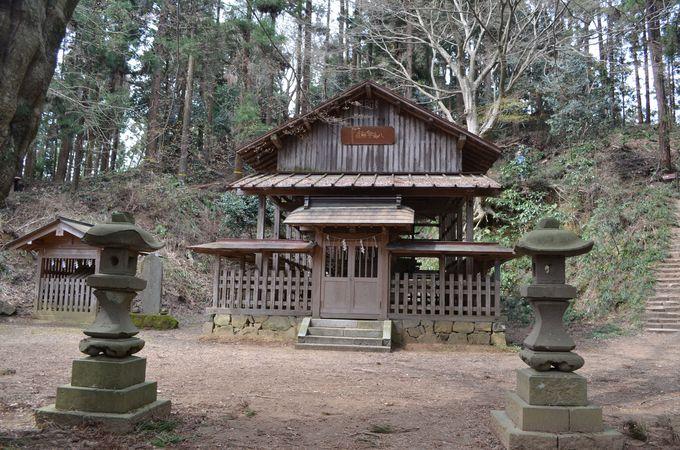 いざ本丸へ〜八王子神社へも参拝を〜