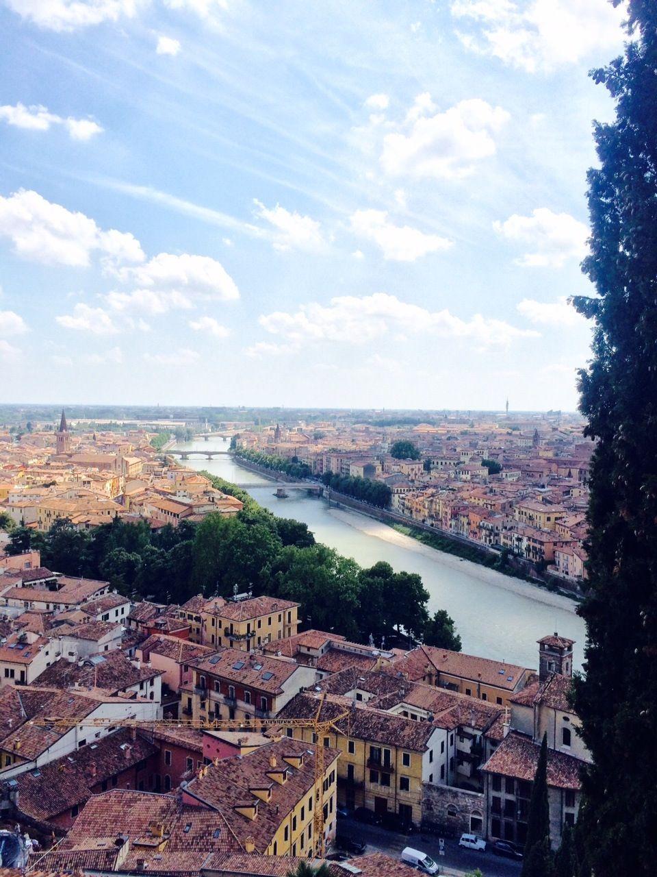 イタリアの愛の都 ロミオとジュリエットの街ヴェローナで幸せを掴んでみませんか!