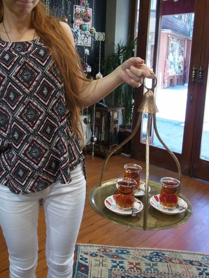 まずは「チャイ」のご紹介を!歴史の浅い飲み物だってご存知でしたか?