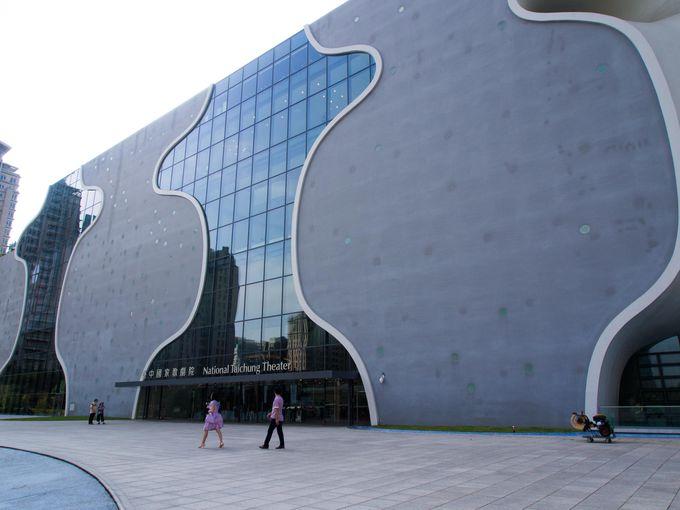 完成自体が奇跡!「世界で最も建築がむずかしい建物」