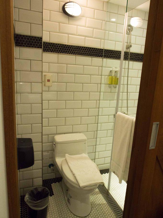 シンプルながらも清潔でスタイリッシュな客室