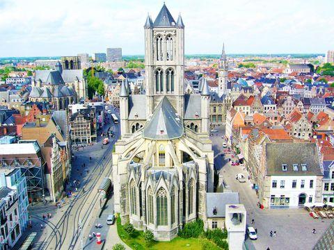 ベルギー第3の都市、ゲントで中世の名残を見る