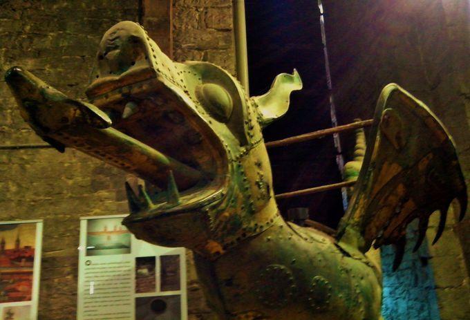 ゲントを象徴するドラゴン「Gulden Draak」