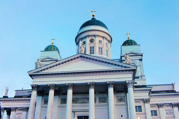 町の中心にそびえる圧倒的存在感!「ヘルシンキ大聖堂」