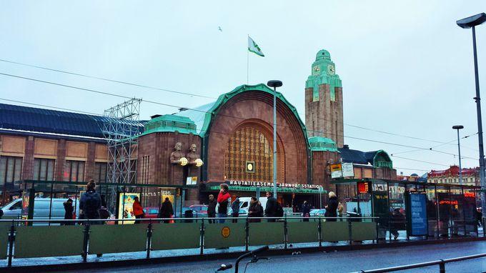ヘルシンキ観光は中央駅からスタート!