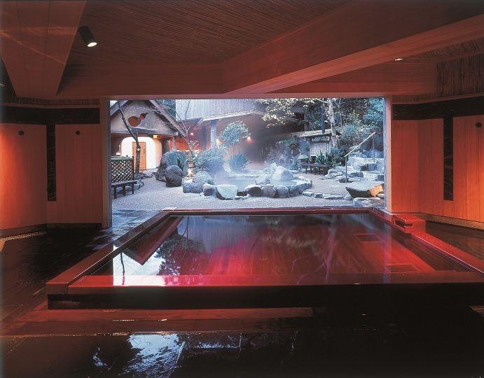 はぁ〜とため息がもれちゃうほど極楽!自然あふれる露天風呂!