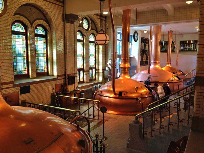 ビール工場の面影が!「ハイネケン・エクスペリエンス」の内部を見学