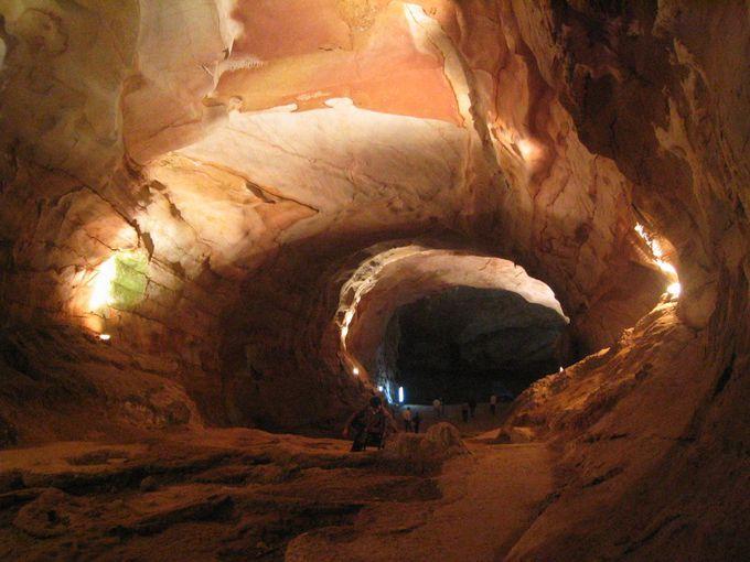 広い広い鍾乳洞