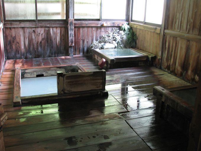 冷たいけど温泉。硫黄の濃さが泉質の良さを物語る