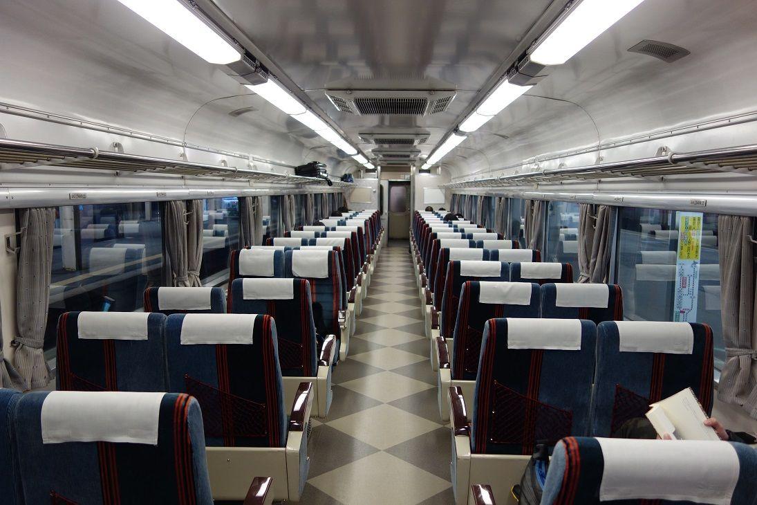 【多彩な席種(2)】格安旅行に最適 争奪戦必至の座席車(自由席)