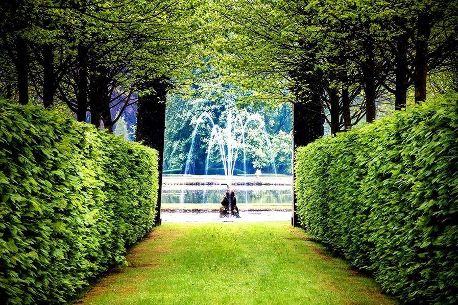 うるおいに満ちた噴水庭園