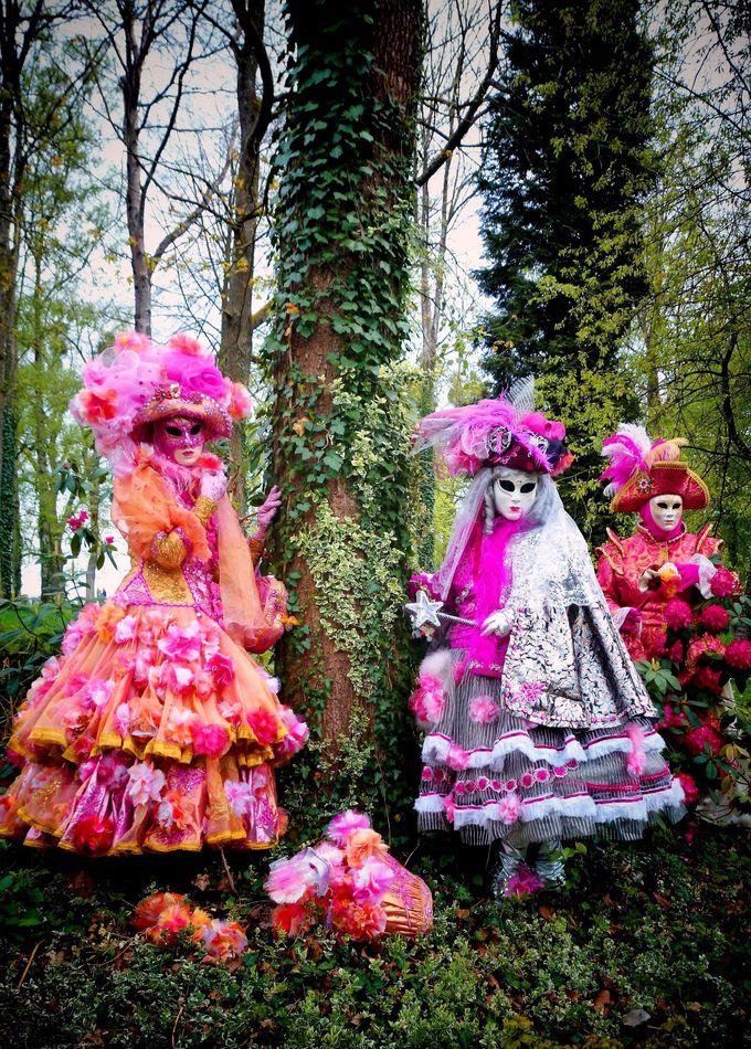季節ごとのイベントも充実。春には「ベネチア仮装フェスティバル」を開催