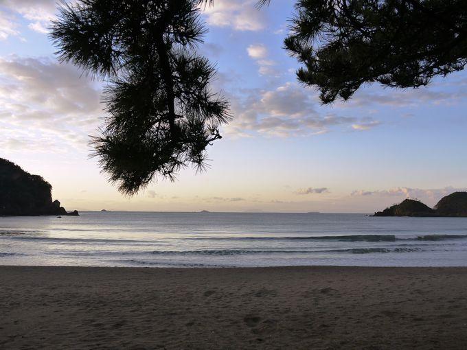 朝のビーチ散策がおすすめ!