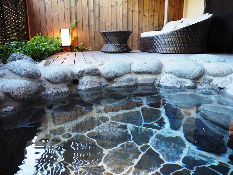 ベンツでお迎え、ハーゲンダッツ食べ放題!伊豆高原「坐漁荘」は、いたれりつくせりの高級温泉宿