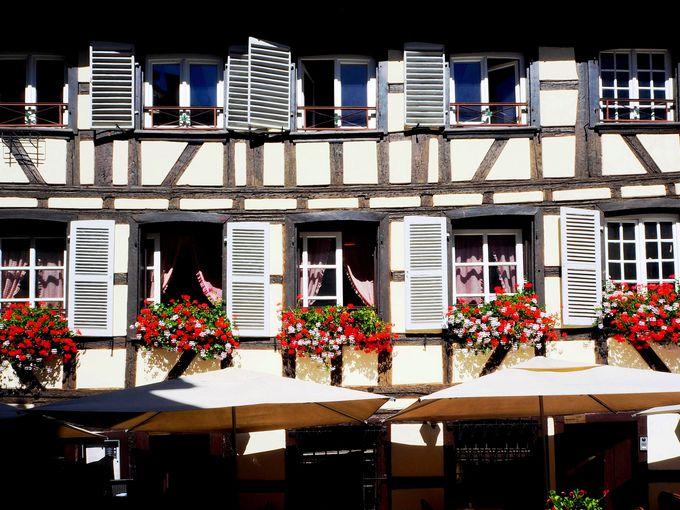 「プティット・フランス」で、美しい木組み建築に魅了される