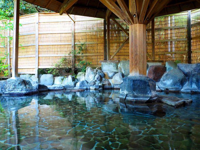 自家源泉ならではの広い湯船。ひとり占めできることも!